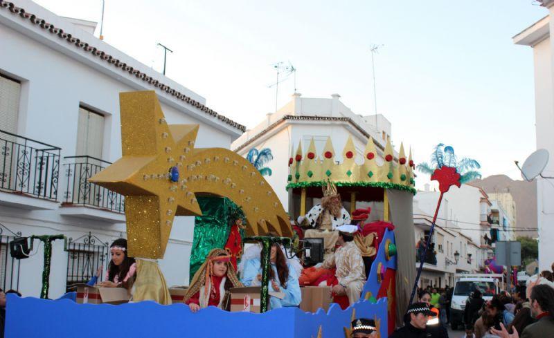 Carrozas De Reyes Magos Fotos.La Cabalgata De Reyes Magos Repartira Mas De 10 000 Kilos De