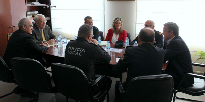 Estepona impulsa los tr mites con el ministerio del for Transparencia ministerio del interior